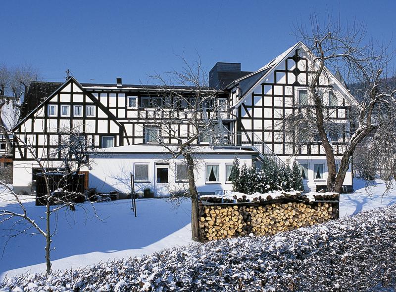 Hotel Flurschütz im Schnee