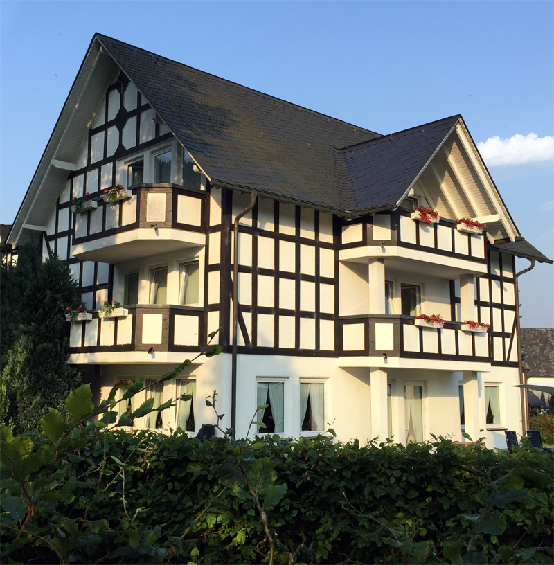 Hotel Flurschütz im Sommer